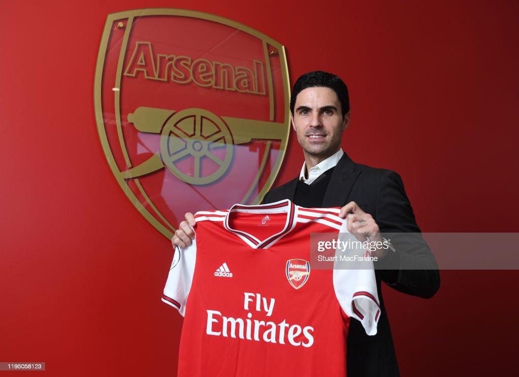 Arsenal Unveil New Head Coach Mikel Arteta : ニュース写真