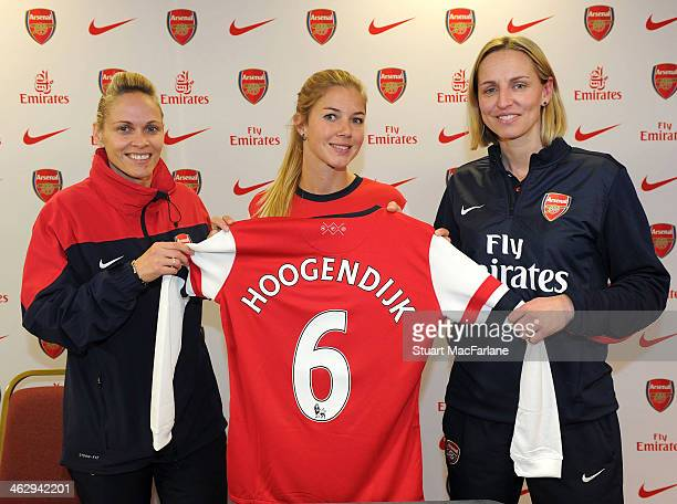New Arsenal Ladies signing Anouk Hoogendijk poses with Arsenal manager Shelley Kerr L0 and former captain Faye White at London Colney on January 15...