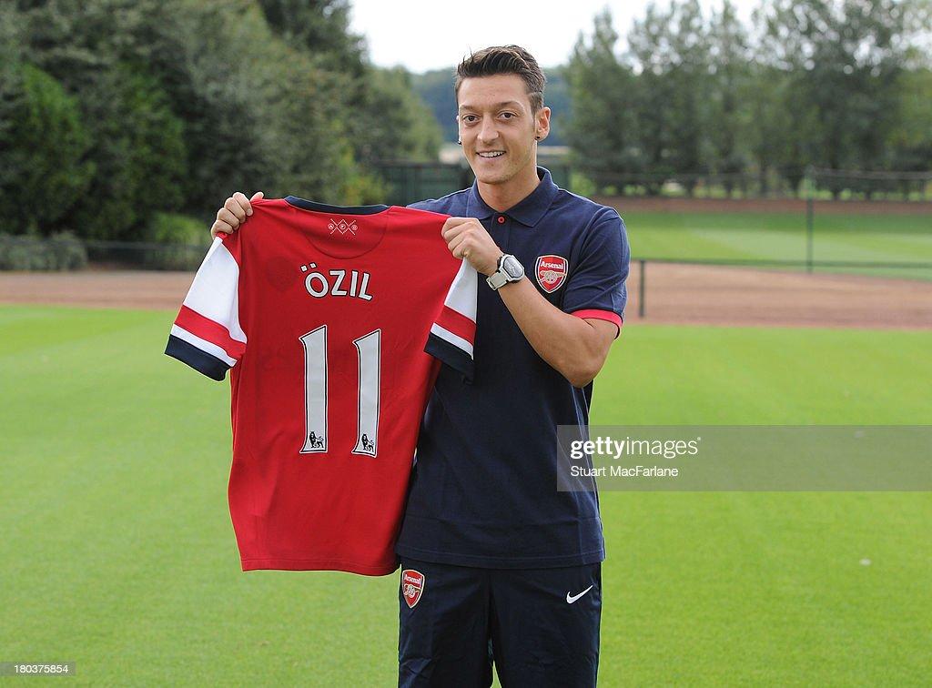 Arsenal FC Unveil New Signing Mesut Oezil : News Photo