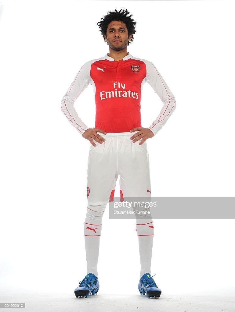 Arsenal Unveil New Signing Mohamed Elneny : ニュース写真