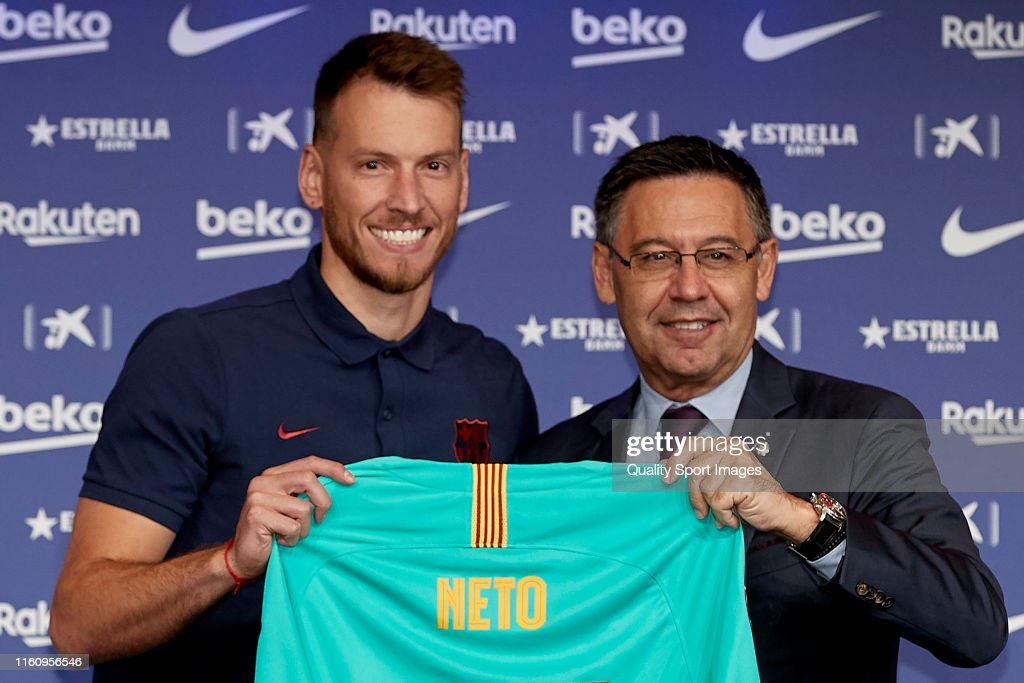 FC Barcelona Unveil New Player Norberto Murara 'Neto' : News Photo