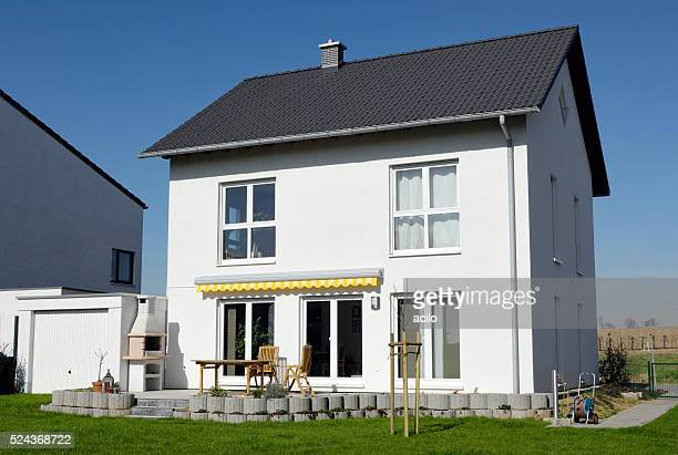 New basic eine Familie house