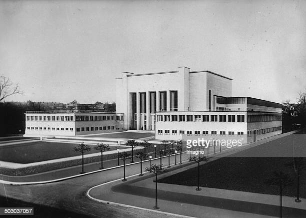 New building of the German Hygiene Museum in Dresden Photomontage [] About 1930 Photograph