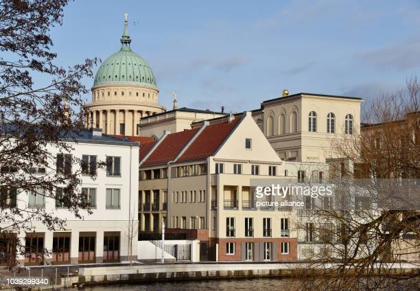 New buildings at the Alte Fahrt and the dome of St. Nicholas church in Potsdam, Germany, 02 February 2016. Photo:BERNDSETTNIK/ZB | usage worldwide