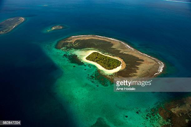 new caledonia /nouvelle-calédonie - lagoon stock pictures, royalty-free photos & images