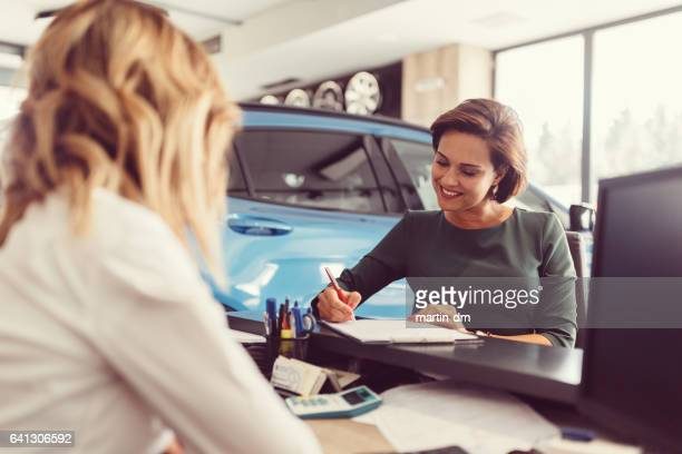 new car - car dealership stock pictures, royalty-free photos & images