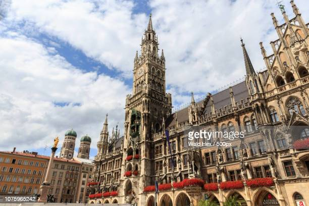 new city hall of munich - wald stock pictures, royalty-free photos & images