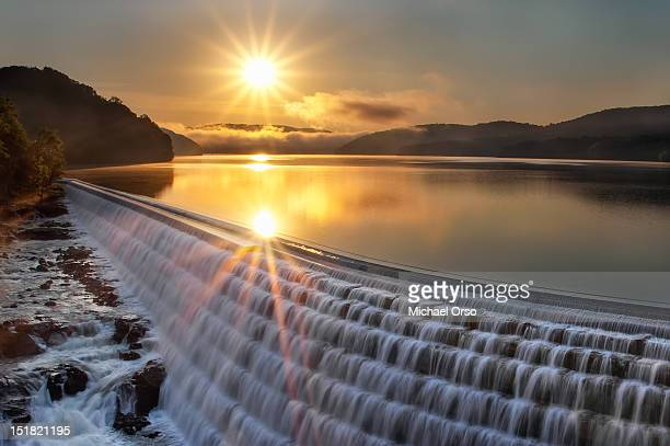 new croton dam at sunrise - dam stock pictures, royalty-free photos & images