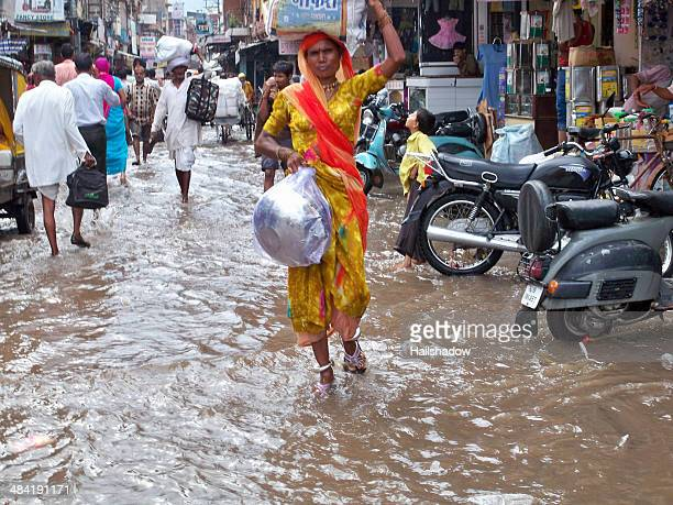 new delhi floods - monsoon stock pictures, royalty-free photos & images
