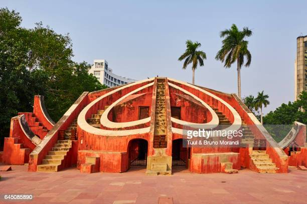 new delhi, jantar mantar, astronomical observatory - jantar mantar stock pictures, royalty-free photos & images