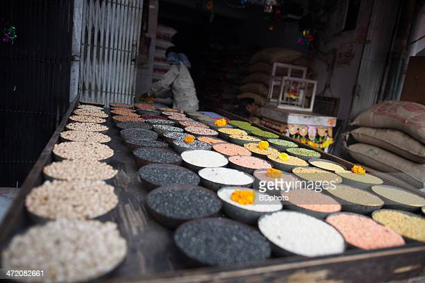 new delhi spice market - new delhi stock pictures, royalty-free photos & images