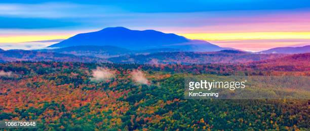 new england autumn foliage in the green mountains of vermont - vermont stock pictures, royalty-free photos & images