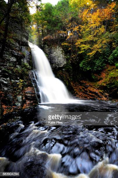 new england falls - pocono mountains stock pictures, royalty-free photos & images