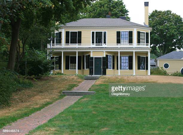 new england house with grey shingle roof, plymouth, massachusetts. - plymouth massachusetts stock photos and pictures