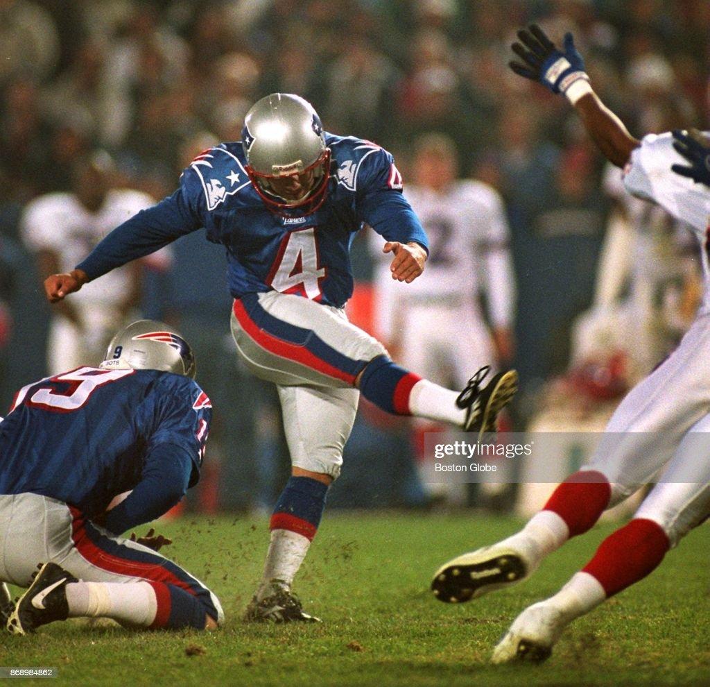 New England Patriots Adam Vinatieri : News Photo