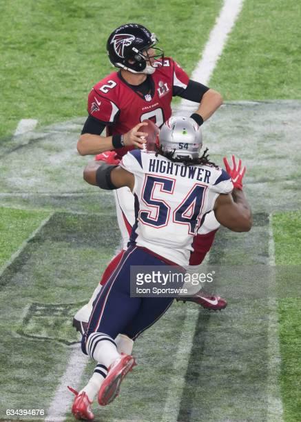 New England Patriots middle linebacker Dont'a Hightower prepares to sack Atlanta Falcons quarterback Matt Ryan during the Super Bowl LI between the...