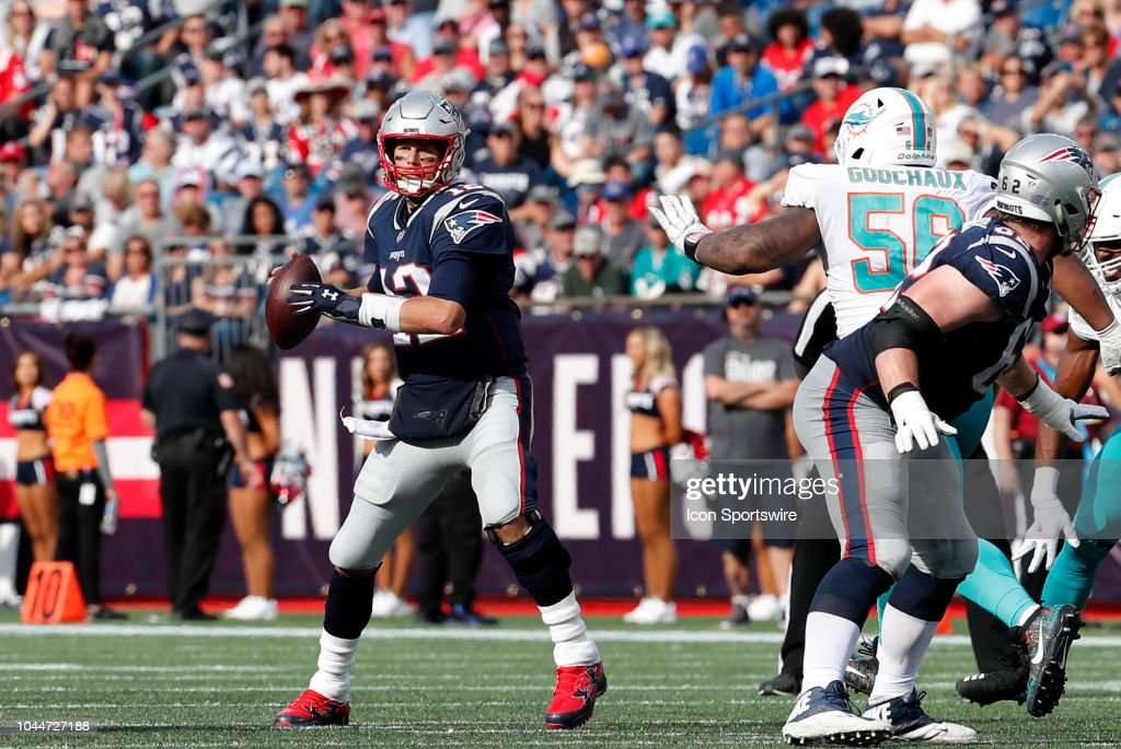 NFL: SEP 30 Dolphins at Patriots : News Photo