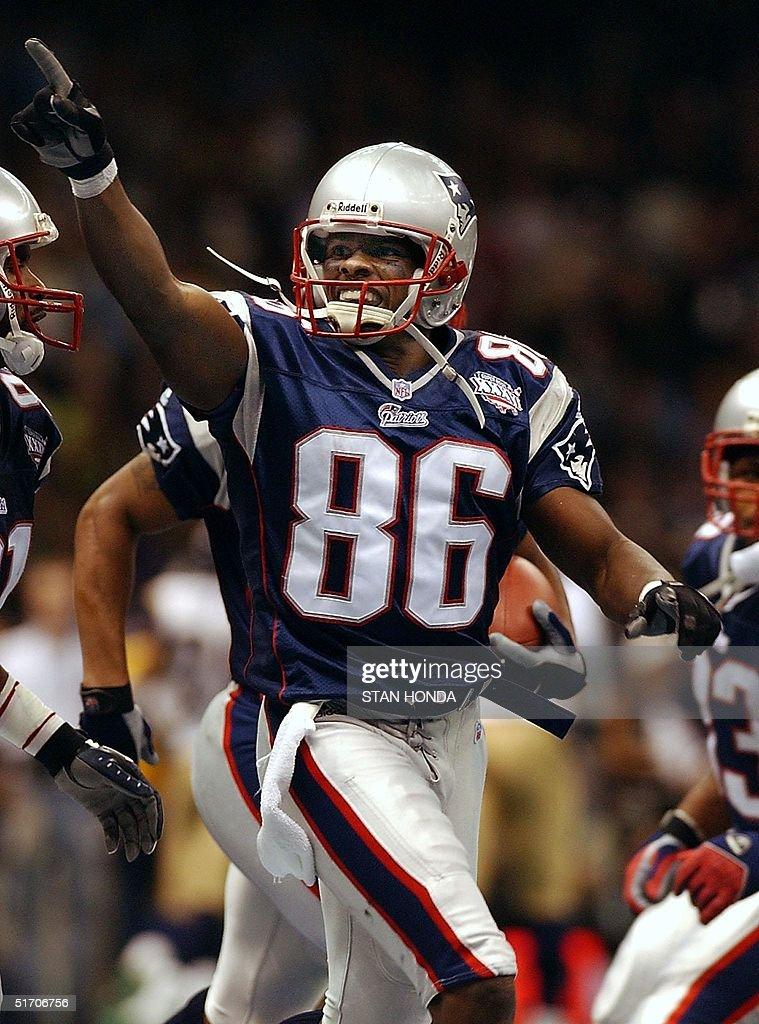 New England Patriots receiver David Patten celebrates his ...