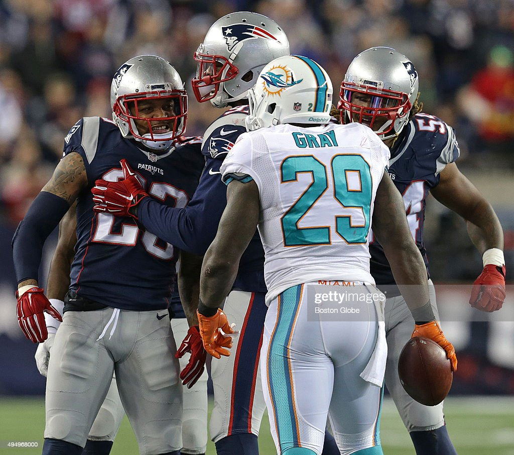 Miami Dolphins Vs. New England Patriots At Gillette Stadium : News Photo
