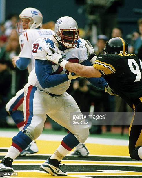 New England Patriots tackle Bruce Armstrong blocks Pittsburgh Steelers defensive end Mike Vrabel during the AFC Divisional Playoff a 76 Steelers...