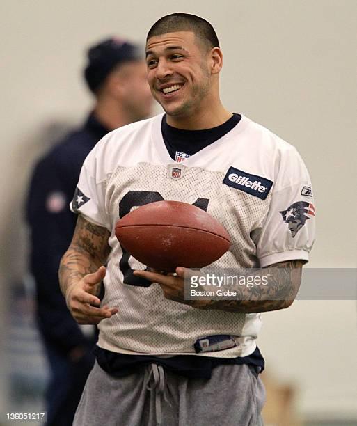 New England Patriots tight end Aaron Hernandez