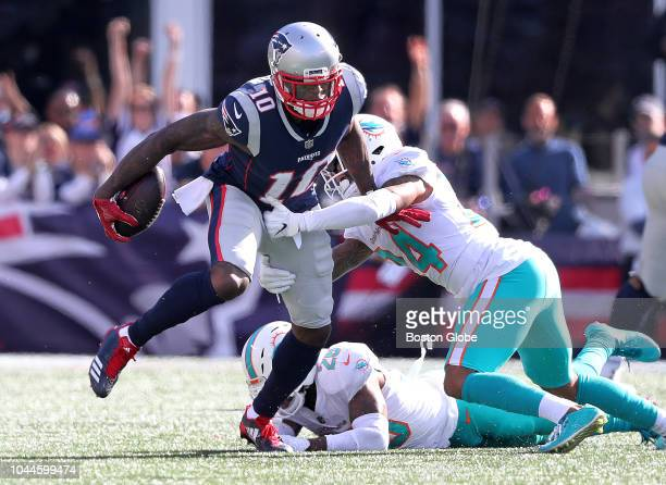 New England Patriots wide receiver Josh Gordon picks up 19 yards on a third quarter catch and run The New England Patriots hosted the Miami Dolphins...