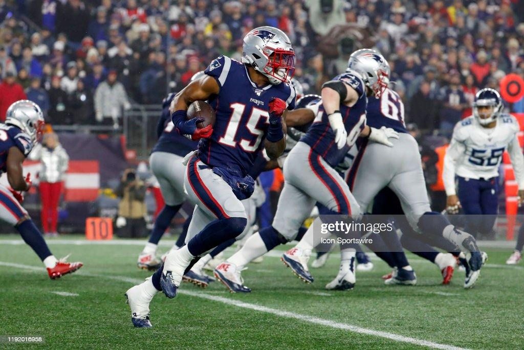 NFL: JAN 04 AFC Wild Card - Titans at Patriots : News Photo