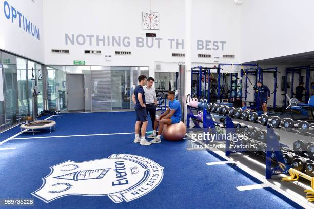 New Everton manager Marco Silva speaks with Dominic CalvertLewin as the Everton players return for training at USM Finch Farm on July 2 2018 in...