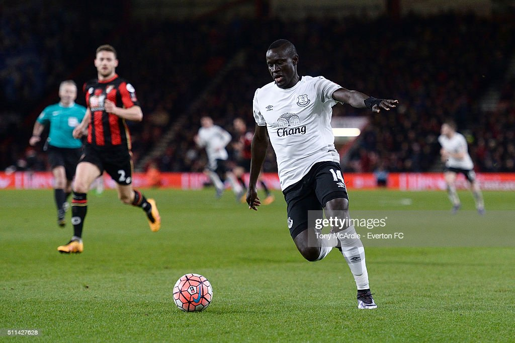 New Everton signing Oumar Niasse runs with the ball during the The Emirates FA Cup Fifth Round match between AFC Bournemouth v Everton at the Vitality Stadium on February 20, 2016 in Bournemouth, England.