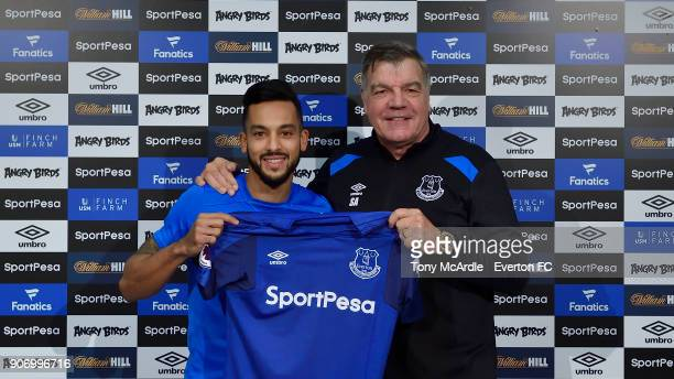 New Everton signing Theo Walcott and manager Sam Allardyce during the Everton FC training session at USM Finch Farm on January 19 2018 in Halewood...
