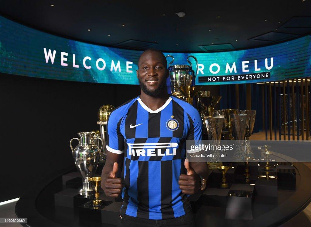 FC Internazionale Unveils New Signing Romelu Lukaku : News Photo