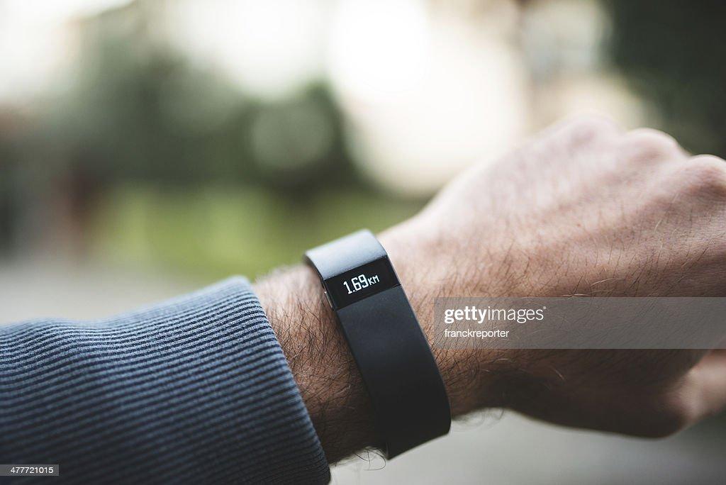 Nuevo Fitbit vigor, el deporte fitness tracker : Foto de stock