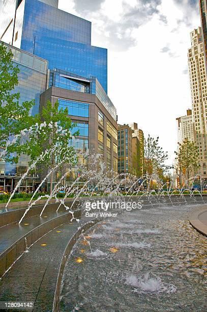 new fountain at columbus circle at intersection of broadway, new york city - タイムワーナーセンター ストックフォトと画像