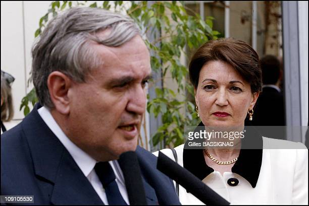 New French Prime Minister Jean-Pierre Raffarin Back To His Native Poitou-Charentes Region On August 5Th, 2002 In Poitiers, France. Jean-Pierre...
