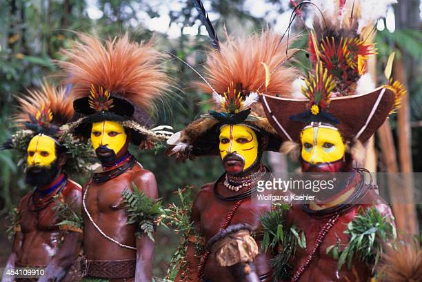 New Guinea Highlands Near Tari Huli Dancers With Ceremonial Wigs Bird Of Paradise Feathers