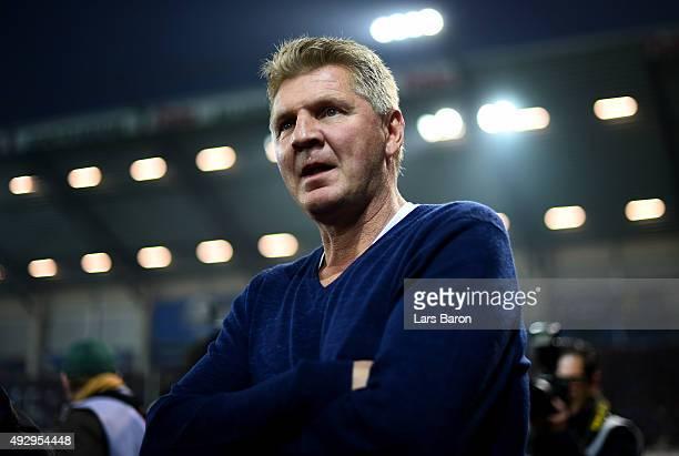 New head coach Stefan Effenberg is seen during the Second Bundesliga match between SC Paderborn and Eintracht Brauschweing at Benteler Arena on...