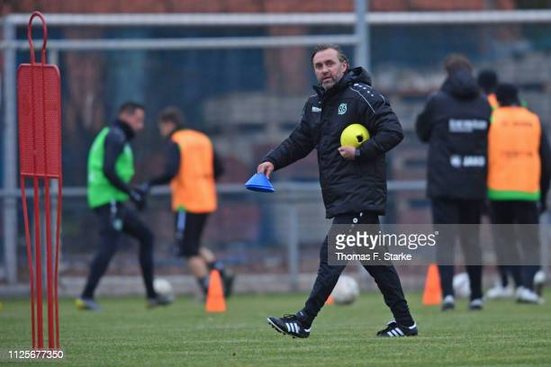 New head coach Thomas Doll looks on during the Hannover 96 training session at the training ground near HDI Arena on January 28, 2019 in Hanover,...