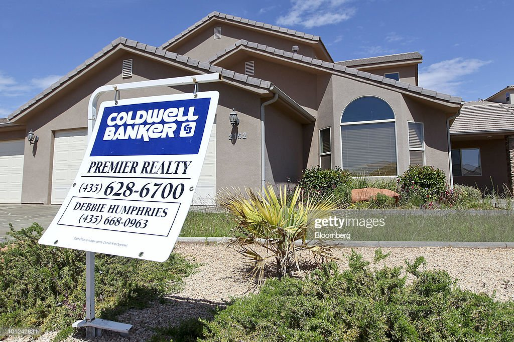 A new home stands for sale in St. George, Utah, U.S., on Wednesday, May 26, 2010. Housing starts rose to a 672,000 annual rate last month, the highest since October 2008 and up 5.8 percent from March, Commerce Department figures showed this month. After almost five years of falling sales and prices, homebuilders are looking to see if the nation's fledgling economic recovery can sustain the real estate market as government subsidies end. Photographer: George Frey/Bloomberg via Getty Images