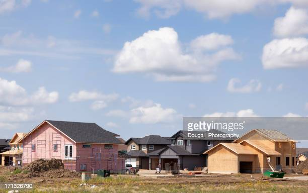 new homes being built in saskatoon neighbourhood - saskatoon stock pictures, royalty-free photos & images