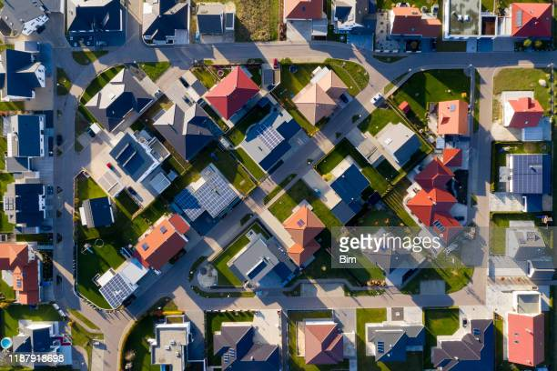 new housing estate from above - community stock pictures, royalty-free photos & images