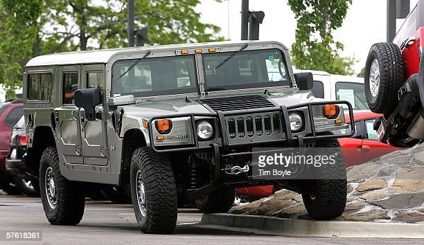 A new Hummer H1 lies on display at Woodfield Hummer May 15 2006 in Schaumburg Illinois According to reports General Motors is ending the production...