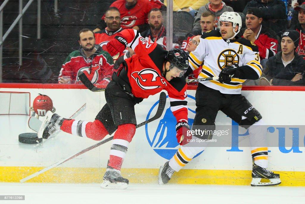 NHL: NOV 22 Bruins at Devils : News Photo
