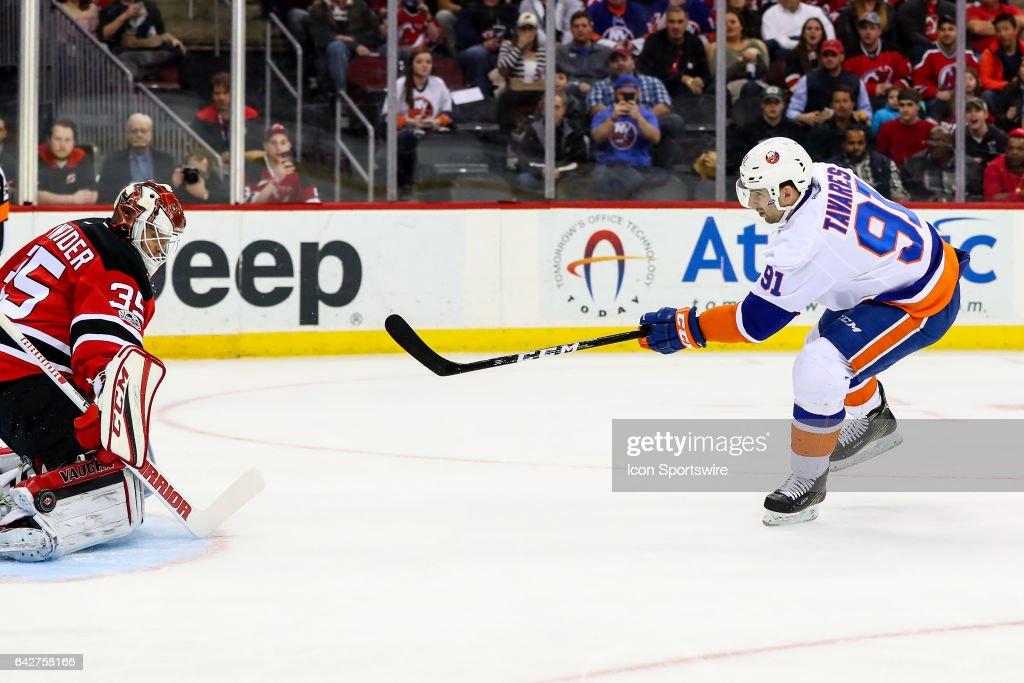 NHL: FEB 18 Islanders at Devils : News Photo