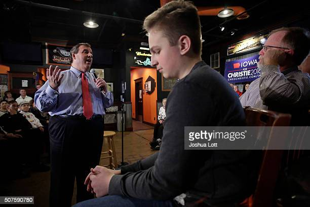 New Jersey Governor and Republican presidential candidate Chris Christie speaks during a campaign event at the Chrome Horse Saloon Slop House January...