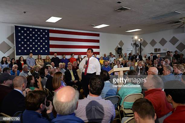 New Jersey Governor Chris Christie holds a town hall meeting at Londonderry Lion's Club April 15 2015 in Londonderry New Hampshire The governor is on...
