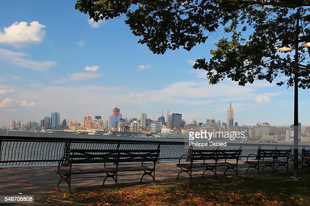 USA, New Jersey, Hoboken, Midtown Manhattan skyline as seen from Pier A Park