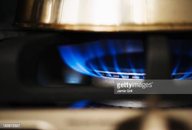 USA, New Jersey, Jersey City, Close-up of gas stove burner