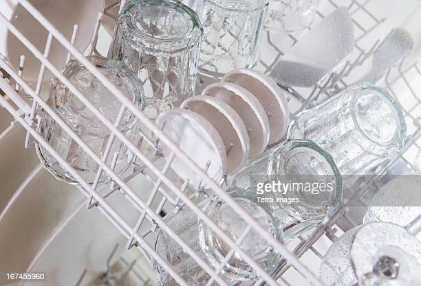 USA, New Jersey, Jersey City, Crockery in dishwasher
