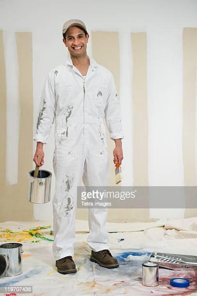 USA, New Jersey, Jersey City, portrait of house painter