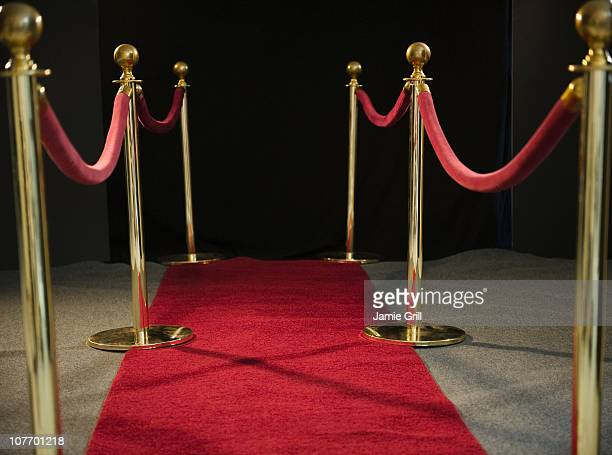 usa, new jersey, jersey city, rope barriers at red carpet event - cordon boundary stock pictures, royalty-free photos & images